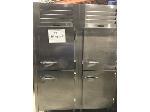 Lot: 1811 - Traulsen Refrigerator