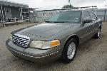 Lot: 17-128777 - 2002 Ford Crown Victoria