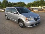 Lot: 20 - 2012 Chrysler Town & Country Van