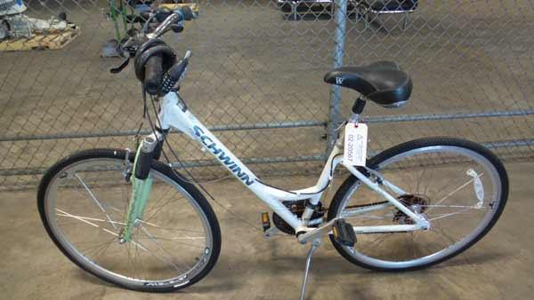 LSO Auctions - Lot: 02-20567 - Schwinn Trailway Bike (Item
