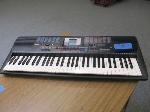 Lot: 35 - Yamaha Keyboard
