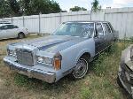 Lot: 0625-45 - 1988 LINCOLN TOWN CAR