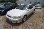Lot: 11-130581 - 2000 Lexus ES 300