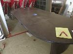 Lot: 121 - Conference Table