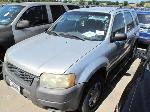 Lot: 1813784 - 2003 FORD ESCAPE SUV - *KEY / STARTED