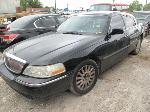 Lot: 109 - 2005 LINCOLN TOWN CAR