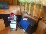 Lot: 03 - Floor Burnisher & Carpet Cleaner