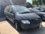 Lot: 05 - 2005 Chrysler Town & Country Van