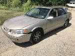 Lot: 12 - 1999 Toyota Camry