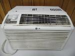 Lot: A7206 - Working LG Window Unit Air Conditioner