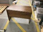 Lot: 36 - Desk