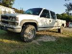 Lot: 197 - 1995 Chevrolet 3500 4x4 Diesel Pickup- Runs