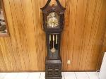 Lot: A7281 - Working Hermle Grandfather Clock