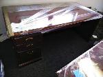Lot: 18.BEA - Executive Desk