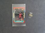 Lot: 51 - 10K RING & MICHAEL JORDAN SPORTS CARD<BR><span style=color:red>No Credit Cards Accepted! CASH OR WIRE TRANSFER ONLY!</span>