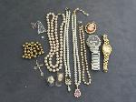 Lot: 6045 - RINGS, PENDANTS, NECKLACES & WATCHES