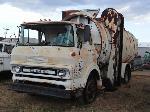 Lot: 12 - 1973 GMC TRASH TRUCK