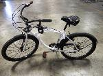 Lot: 02-21047 - Huffy Newport Bicycle
