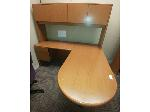 Lot: 41&42 - L-shaped Desk w/ Hutch & Office Chair