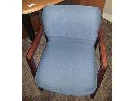 Lot: 50-52 - (2) Office Chairs & L-shaped Desk w/ Hutch