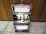 Lot: A7353 - Working Double Diamond 2 Coin Slot Machine