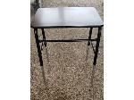 Lot: 06 - (21) Utility Desks