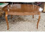 Lot: 09 - Dining Table