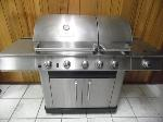 Lot: A7392 - Master Forge Stainless Split Lid Gas Grill