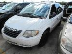 Lot: 1822546 - 2005 CHRYSLER TOWN & COUNTRY VAN - KEY / STARTED