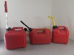 Lot: F378 - (3) GAS CANS