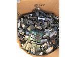 Lot: 301 - (200-lbs) of Connectors