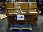 Lot: 19-022 - Yamaha Piano