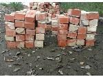 Lot: 11 - (20) Bricks