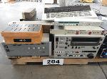 Lot: 204 - Electronics: Amps, Batteris, Audio Pane