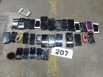 Lot: 207 - Small Electronics: (112 approx) Cell Phones, Scanner, Camera
