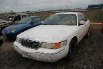 Lot: 56625.FWPD - 2000 MERCURY GRAND MARQUIS - KEY / STARTS