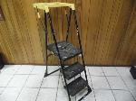 Lot: A7504 - Five Foot Painters Ladder