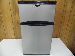 Lot: A7505 - Working Frigidaire Mini Refrigerator