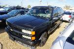 Lot: 30-137396 - 1993 GMC Suburban SUV - Key / Started