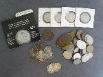 Lot: 20 - FRANKLIN HALF, QUARTERS, NICKELS & FOREIGN COINS