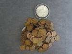 Lot: 24 - AMERICAN SILVER EAGLE & APPROX. (205) WHEAT PENNIES