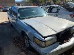 Lot: 09 - 1997 Lincoln Town Car