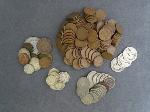 Lot: 51 - V NICKELS, DIMES, PENNIES & FOREIGN COINS