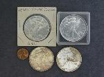 Lot: 81 - SILVER AMERICAN EAGLES & PENNY