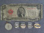 Lot: 82 - CHARM, $2 NOTE & 10K & 14K RINGS