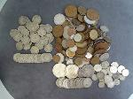 Lot: 104 - BUFFALO NICKELS & FOREIGN COINS