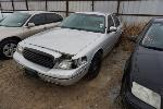 Lot: 15-143415 - 2000 Ford Crown Victoria