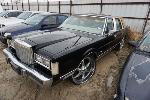 Lot: 17-141716 - 1985 Lincoln Town Car