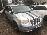 Lot: 1536 - 2010 Chrysler Town & Country Van - Key