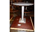 Lot: 02-21682 - (2) Square Tables